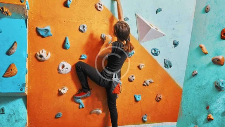 Climb Safe: Choosing the Right Carabiner